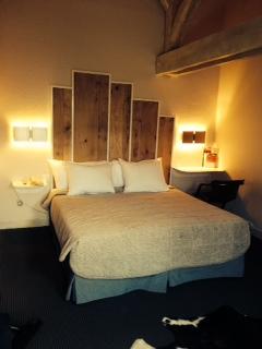 Meubles divers - Tete de lit en bois blanc ...